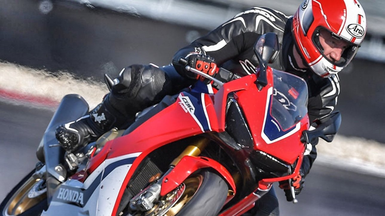 ARMIN ON Fireblade | Photo: Honda Austria