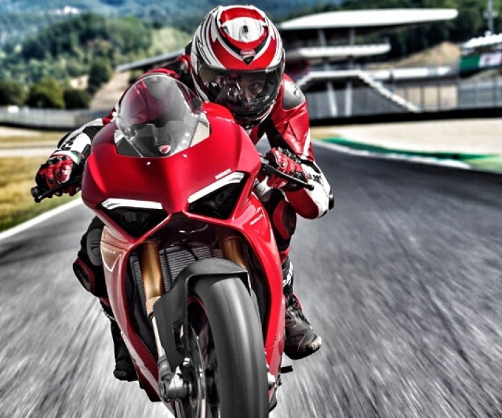 Michele Pirro on Ducati Panigale V4 S | Photo: Ducati | Final image editing: Armin Hoyer