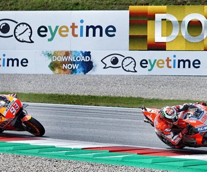 Marc Márquez following Jorge Lorenzo | Photo: Armin Hoyer - arminonbike.com