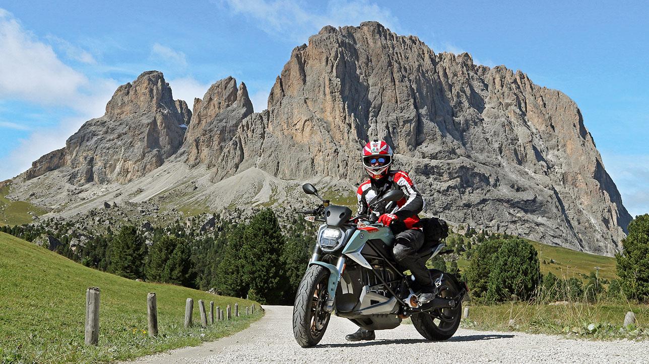Zero SR/F at Passo Sella | Photo: Armin Hoyer - arminonbike.com