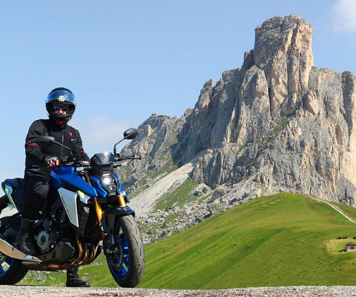 Suzuki GSX-S1000 at Giau Pass | Photo: Armin Hoyer - arminonbike.com